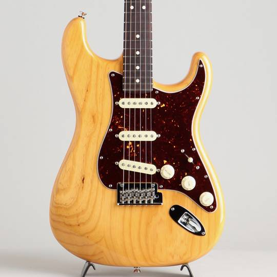 American Professional Stratocaster Limited Edition Lightweight Ash Aged Natural