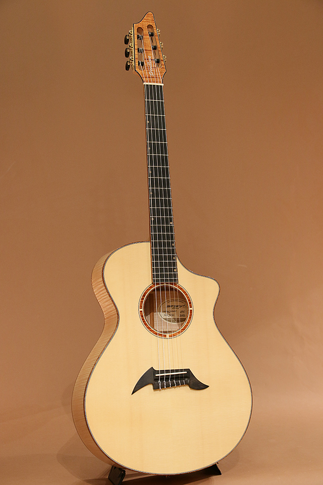 Custom Concert Nylon N15 Moon Spruce/Maple