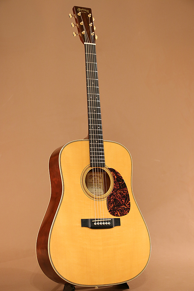 HD Elliot Easton