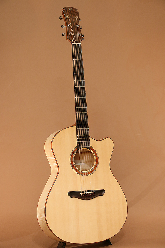OO-14Fret Slant Cutaway European Flame Maple【サウンドメッセ限定価格 598,000円】