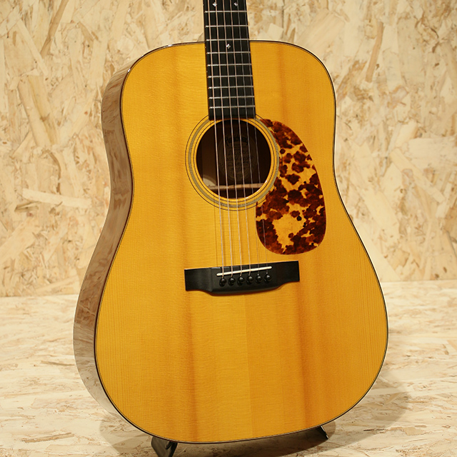 D-Custom German Spruce/Quilted Mahogany