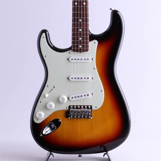 Made in Japan Traditional 60s Stratocaster Left-Handed/3-Color Sunburst
