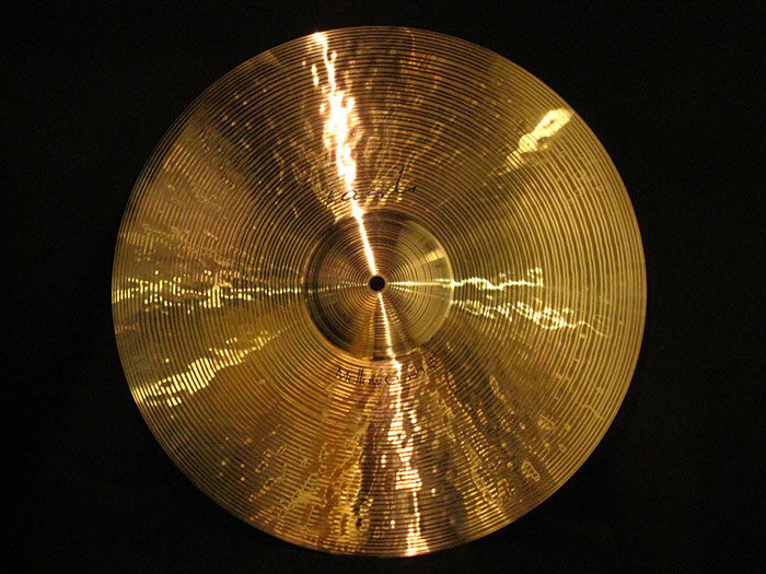 "Signature 18"" Mellow Crash"