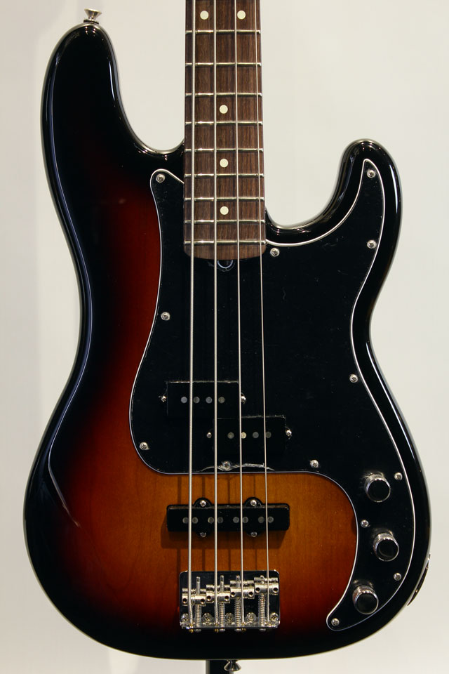 AMERICAN PERFORMER PRECISION BASS (3CS)