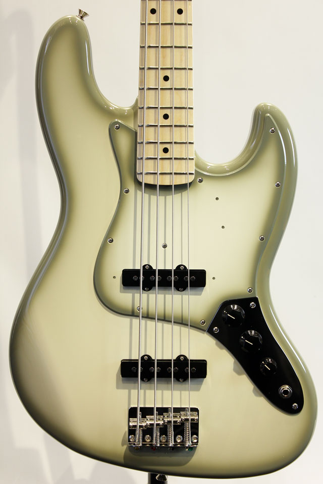 Limited Edition  Made in Japan Antigua Jazz Bass