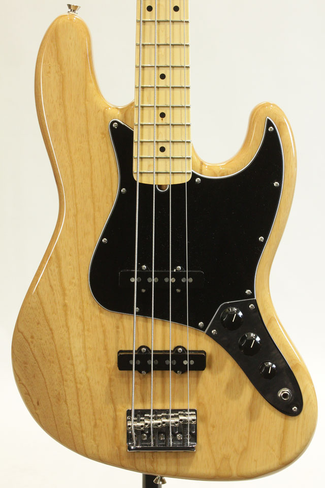American Professional Jazz Bass (NAT)