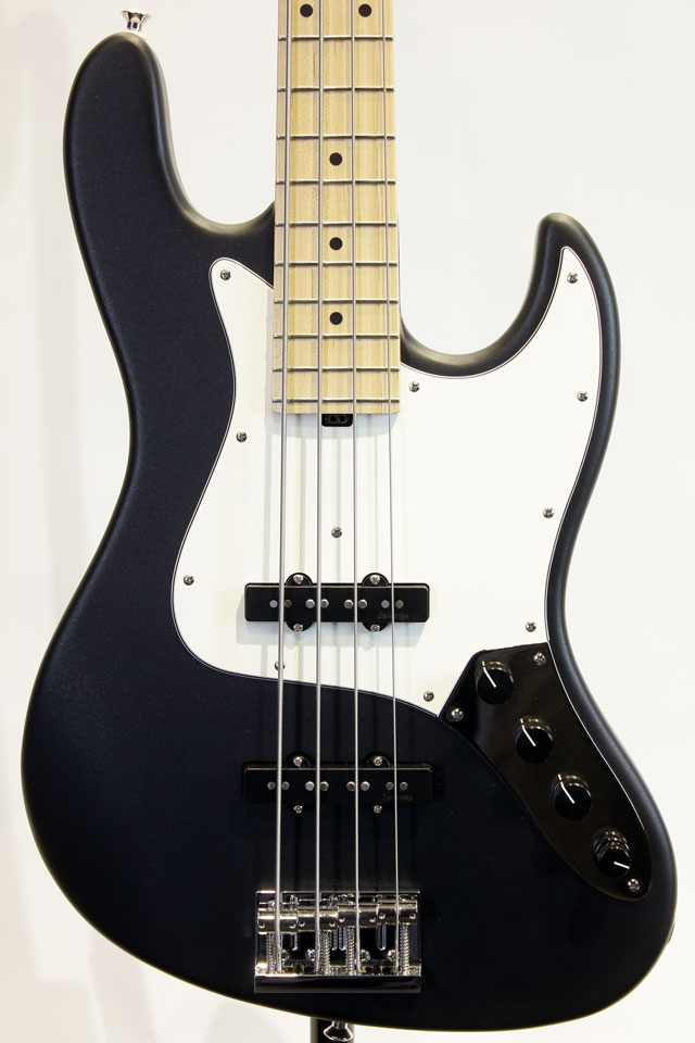 Satin 4strings J Bass