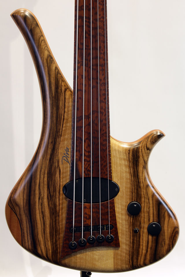 "Diva 5st ""Flamed Walnut Top"""