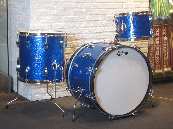 "【VINTAGE】Early 60's DownBeat Kit Sparkling Blue Pearl 20"" 12"" 14"" COB Hoops"