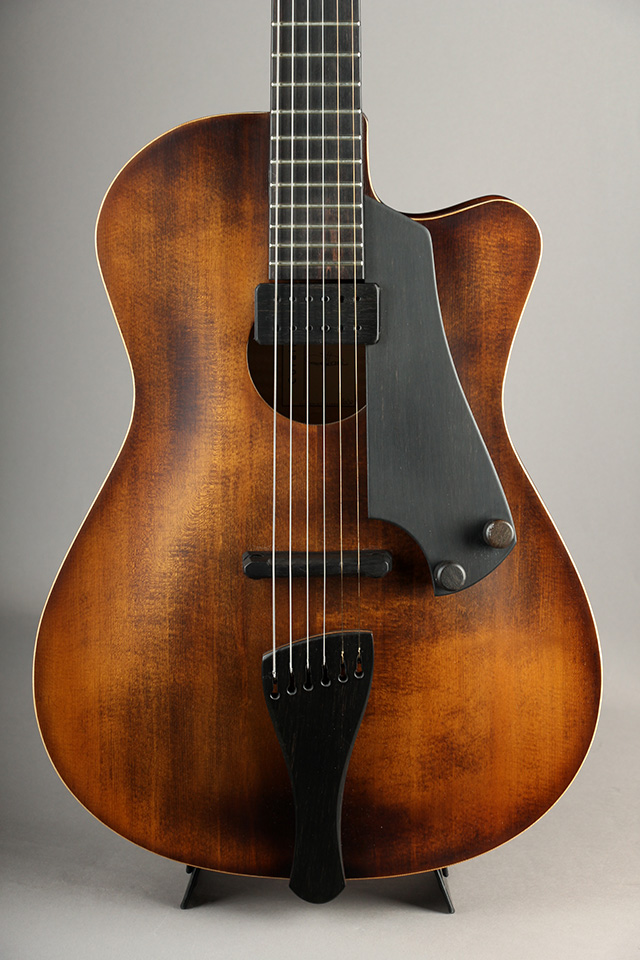 Coraline Cello brown