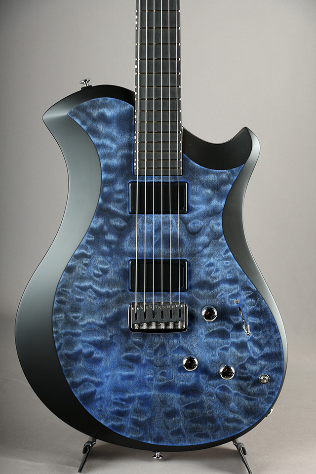 Mary ONE Custom Quilted Maple Marine Blue w/Black Edge