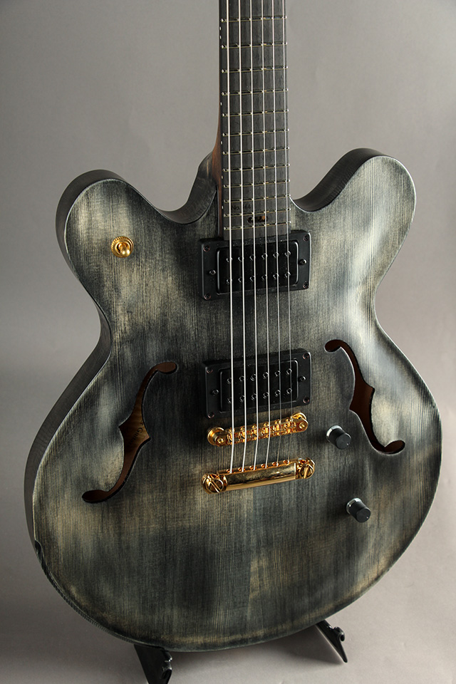 Victor Baker Guitars Model 35 chambered Semi-hollow Black smoke stain with satin topcoat  ヴィクター ベイカー サブ画像2
