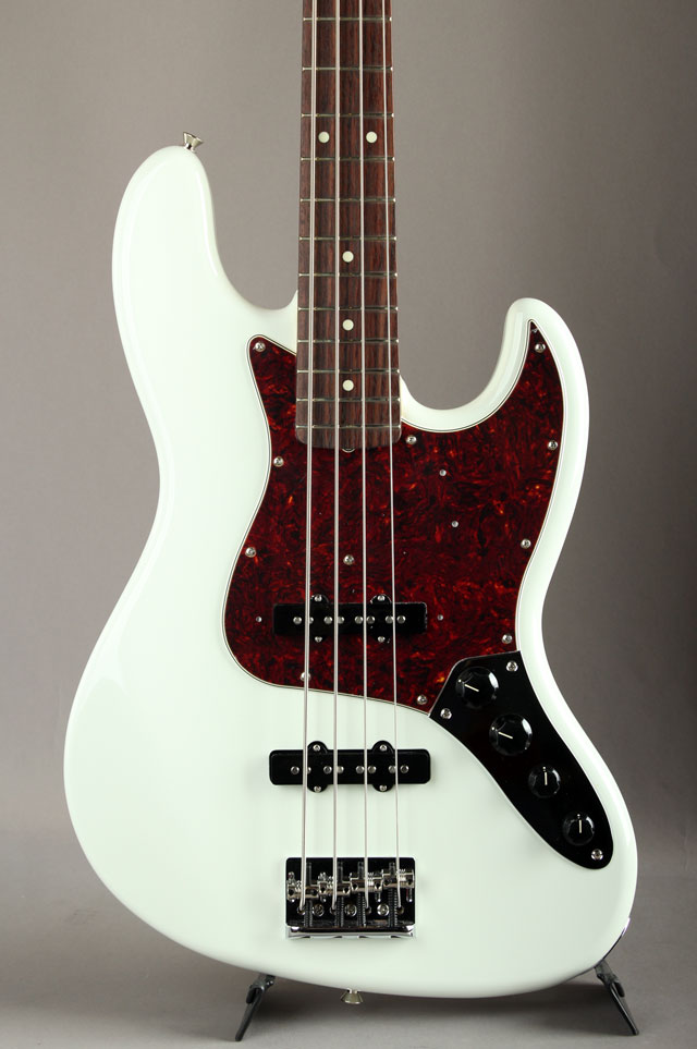 Made In Japan Limited Active Jazz Bass Olympic White