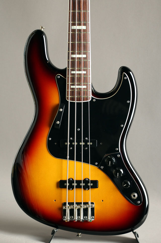 New American Vintage 74 Jazz Bass 3CS/R