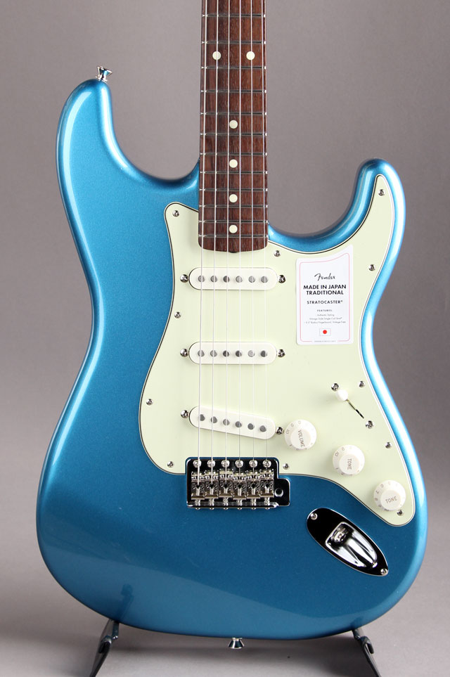 Made in Japan Traditional 60s Stratocaster Lake Placid Blue