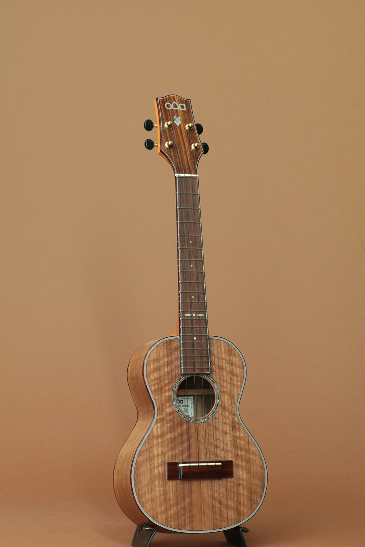 CT-54 Walnut Tenor
