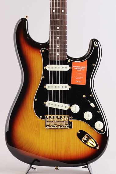 Made In Japan Traditional 60s Stratocaster Gold Hardware/3-Color Sunburst